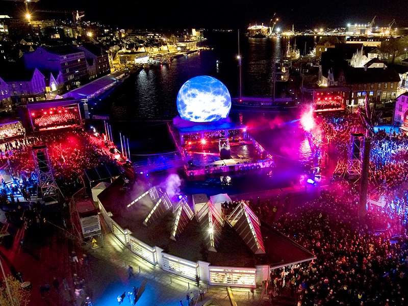 LM Productions LaserMagic Laser Magic Live Event Year of culture closing ceremony stravanger norway nort europe live event large scale stratosphere projection screen live feed projected high brightness vivid bright projection centre piece 18m 18 meter spectacular show 360 degree visibility
